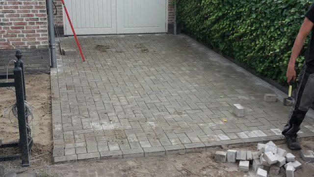 Bestrating oprit en tuinaanleg Almere